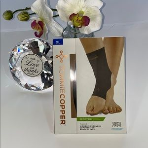 Woman's Recovery Compression Ankle Support 07130